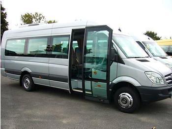 Microbús que el Ayuntamiento pone a disposición de los triguereños para la romería.