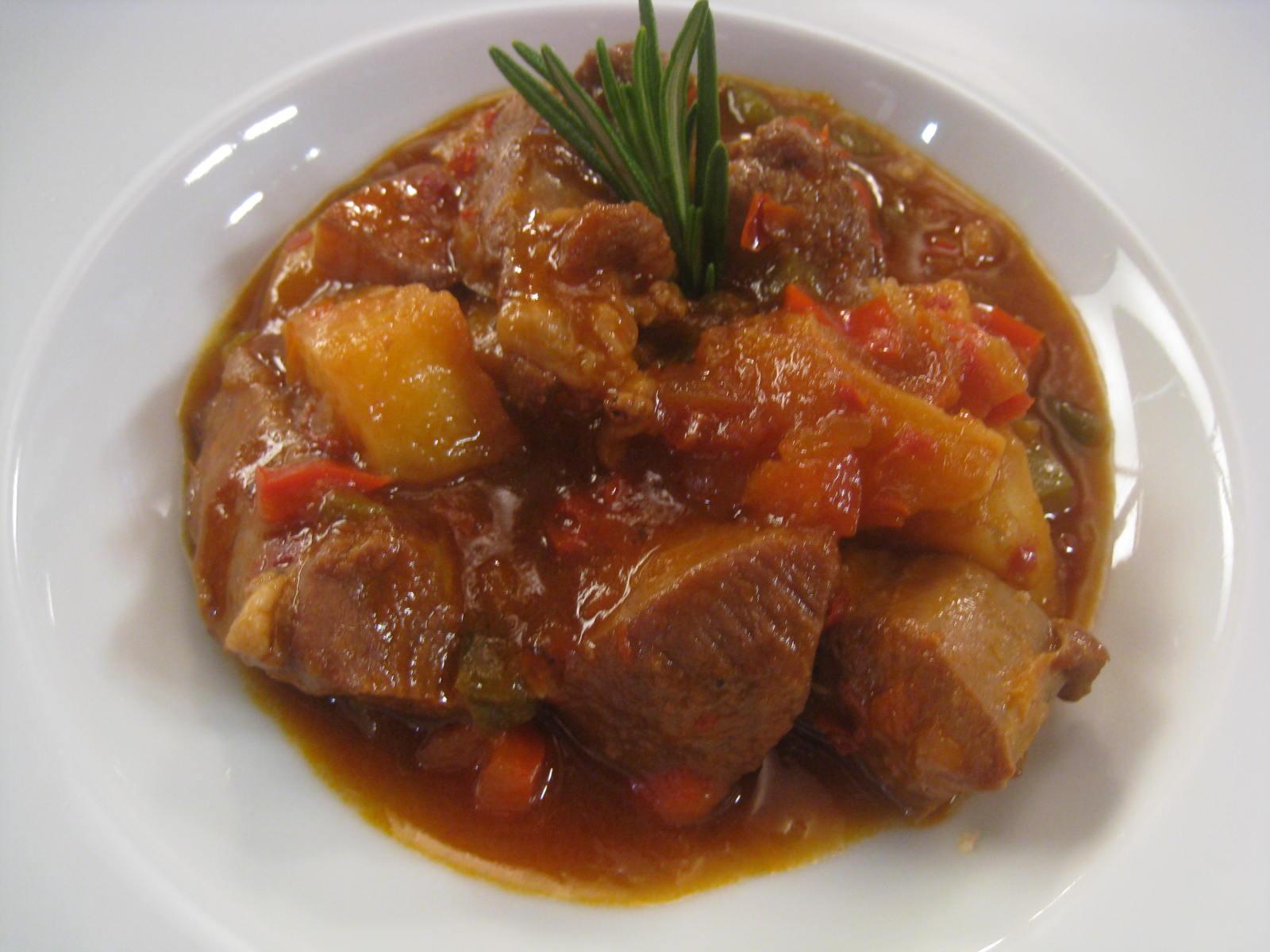 C metelo prepara caldereta de cordero con patatas en homenaje a trigueros la voz de trigueros - La cocina de cometelo ...