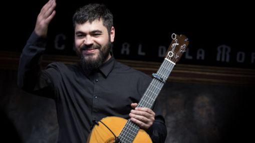 guitarrista-sevillano-Joselito-Acedo-actuacion_1252984709_85684363_667x375